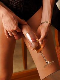 Asian spycam masseuse jerking before sex