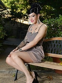 Tattooed german milf gets facialized in groupsex